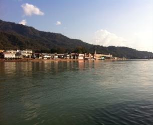 Ganj Nehri ve Parmarth Niketan Yoga ashram
